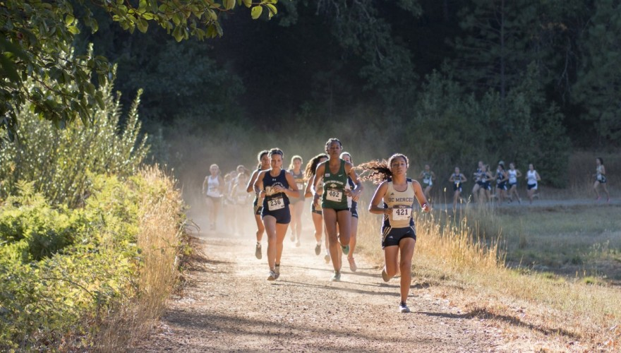 Photo for Daniels and Pliego Finish First at La Sierra Invitational